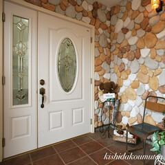 かわいいお家/照明デザイン/ステンドグラス/玄関ドア/工務店/注文住宅/... ステンドグラス入りの玄関扉✨ お洒落な輸…