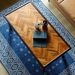 テーブル/ローテーブル/ヘリボーン/家具/インテリア/ヴィンテージ/... 天然木アカシア材のきれいな木目を活かし、…