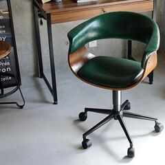 イス/椅子/チェアー/オフィスチェアー/おしゃれ/ヴィンテージ ヴィンテージ加工が施されたPUレザーにブ…