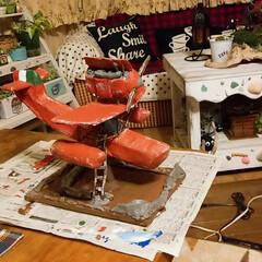 今日はここまで/塗装作業/DIY日記/ジブリ大好きおじさん/ただの飛行機/手作り/... ダンボールDIY【途中経過】 塗装作業中…