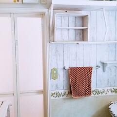 収納棚/脱衣場リメイク/DIY/住まい 狭い脱衣場をリメイク 壁に収納棚を着けて…