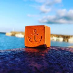 キューブ煉瓦/手作りレンガ くにうみ神話のあわじ島の土を捏ねて粘土状…