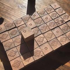 キューブ煉瓦/淡路島/青海波/千鳥 淡路島の土を一つ一つ手作りで30×30×…