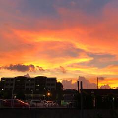 風景 台風の後の夕空