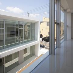 石/ガラス/コンクリート/モダン/スタイリッシュ/ミニマル 大開口と中庭