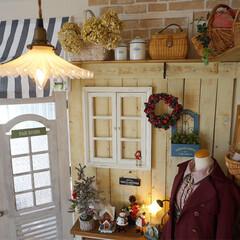 アンティーク/クリスマスツリー/クリスマスディスプレイ/クリスマスモード/板壁DIY/セルフリノベーション/... リビングもクリスマスモードにしています🎄…