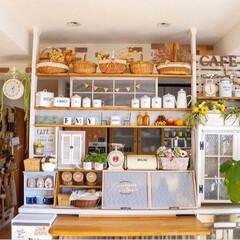 ナチュラルフレンチ/DIY女子/キッチンリメイク/飾り棚/キッチンカウンター/カフェ風インテリア/... おはようございます⛄️ 寒いですね💦…