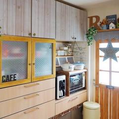 ナチュラルインテリア/カフェ風インテリア/リメイクシート/冷蔵庫リメイク/食器棚リメイク/DIY/... おはようございます🎶 今朝のkitche…