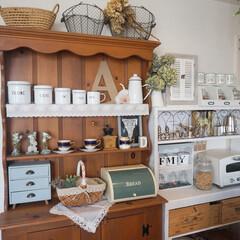 モザイクタイル/アンティーク/キッチン雑貨/ドライフラワーのある暮らし/棚DIY/キッチン/... お気に入りのカップボード♡ 以前はカフェ…