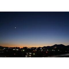 ルーフバルコニー/ベランダ/朝焼け/三日月/宵の明星 宵の明星と三日月🌙*゚  星空が綺麗な季…