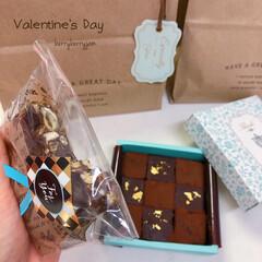 chocolate/Valentineday/バレンタインデー/手作りチョコ/生チョコ苺タルト/生チョコ/... 娘と昨日の夜中12時までチョコ作りに励ん…