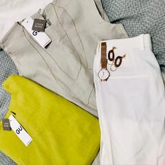 ホワイトシャツ/夏コーデ/guコーデ/GU/プチプラコーデ/プチプラファッション/... guのAラインスリーブレスと、ホワイトシ…