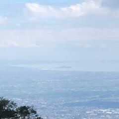 夏休み/涼しい/空/登山/風景 先日軽めの登山をしてきました! 遠くに小…(1枚目)