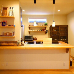 アンティーク家具/無垢材/波佐見焼/照明/和モダン/注文住宅/... 波佐見焼のペンダントライトが光ります✨ …