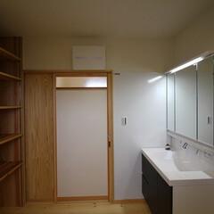 リクシル/LIXIL/洗面化粧台/即湯水栓/ホーローパネル/マグネット/... 先日の完成見学会を行ったお家の脱衣室です…