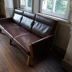 無垢材/タモ/ソファ/SOFA/3P/リビング/... 存在感のある組立式ソファです。 お部屋へ…