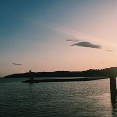 景色最高 釣りに行ったら綺麗な夕日に見惚れました^…(3枚目)