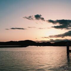 景色最高 釣りに行ったら綺麗な夕日に見惚れました^…(4枚目)