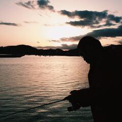 景色最高 釣りに行ったら綺麗な夕日に見惚れました^…(6枚目)