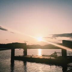 景色最高 釣りに行ったら綺麗な夕日に見惚れました^…(2枚目)