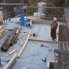 工事 「天空の鎌倉」水回りの壁で広間を包むよう…