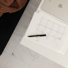 IKEA/hmhome/北欧インテリア/海外インテリア/シンプル化計画/家中シンプル化計画/... リビングと隣の部屋の仕切りに格子壁を作り…