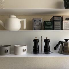 IKEA/ミニマリスト目指します/ミニマリスト/ミニマル/海外インテリア/北欧インテリア/... キッチンの見せる収納コーナー。 見せる収…
