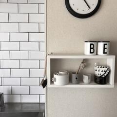 IKEA/DIY/キッチンダイニング/キッチンDIY/ミニマリスト目指します/ミニマリスト/... 今のレンガ柄にする前に貼っていたのはタイ…