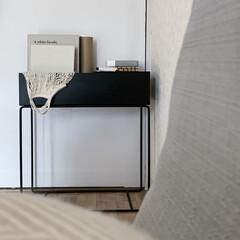 アイボリー 無地壁紙シール ウォールステッカー  60cm×1(ウォールステッカー)を使ったクチコミ「ferm living のプラントボック…」(1枚目)