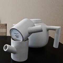 アイボリー 無地壁紙シール ウォールステッカー  60cm×1(ウォールステッカー)を使ったクチコミ「今日の朝はコーヒーでなくて紅茶☕️ ティ…」(1枚目)