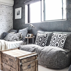 セルフリノベーション/グレーインテリア/DIY家具/DIY/ambient lounge/ベッドルーム(寝室)/... 寝室はグレーのグラデーションを効かせて。(1枚目)