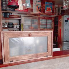 キッチン収納/キッチン/収納アイディア/収納ケース/ブレッドケース/カトラリー収納/... おはようございます😊  キッチンカウンタ…(2枚目)
