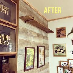 スッキリ/アイアン棚受け/建売住宅/カフェ風インテリア/ダイニング/棚DIY/... ダイニングの飾り棚の棚受けを セリアのア…