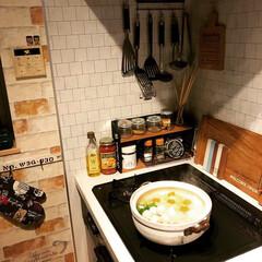 キッチンツール/カフェトレイ/スパイスラックDIY/鍋/水炊き/わたしのごはん/... 今日はまた寒かったー😓 雨の中 濡れなが…