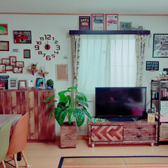 アメリカン/リビング/インテリア/DIY主婦/DIY女子部 今日は、今2階でエアコンの取り付けをして…