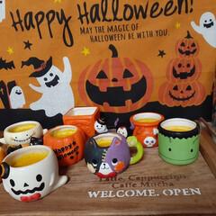 カフェトレイ/手作りおやつ/手作りスイーツ/かぼちゃプリン/ハロウィン2019/100均/... Happy HALLOWEEN💕 かぼち…