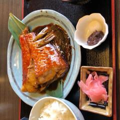 グルメ 下田の海鮮丼と金目鯛