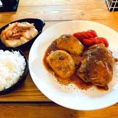 手料理/チーズスフレ/おうちカフェ チキンのトマト煮と チーズスフレケーキ焼…