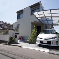 住まい/一戸建て/新築/外構/エクステリア/車庫/... 新築外構のファサード。シンプルなデザイン…
