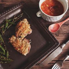 うちの定番料理 ⌘豚の香草焼きとガルバンゾスープ ガルバ…(1枚目)