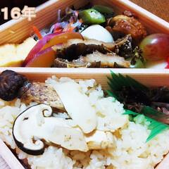 松茸/弁当 京都・神崎屋さんの松茸弁当です。 htt…