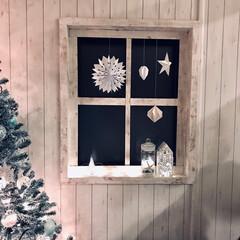 ホワイトクリスマス/窓枠DIY/ペーパーオーナメント/クリスマス/クリスマスツリー/DIY/... 窓もクリスマスデコレーションしました。 …