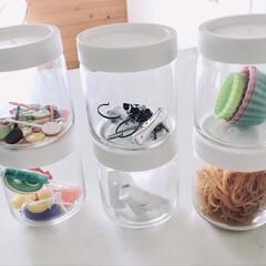 ホワイト/キッチン収納/セリア/収納/キッチン/雑貨/... セリアの蓋付きガラス瓶です。 キッチンの…