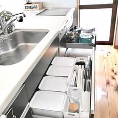 無垢材/木の家/LIMIAベスト収納2019/インテリア/セリア/100均/... セリアの蓋付きケースや瓶はキッチン収納に…