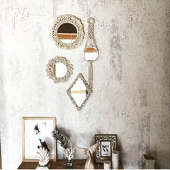 玄関/西海岸インテリア/ビーチスタイル/壁紙/ベンチDIY/スカンジナビア/... マクラメを編んでミラーをアートのように飾…