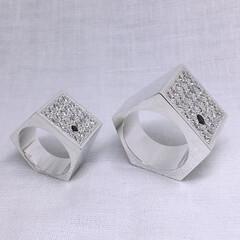 五角形/ごつい/シルバーリング/シルバーアクセサリー/ハンドメイド/手作り/... シンプル系のごついシルバーリング。 不規…