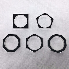 手作りシルバーアクセサリー/多角形/多角形リング/シルバーリング/シンプルリング/重ね着け/... 仕様を揃えた多角形リングのシリーズを製作…