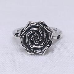 手作りシルバーアクセサリー/バラ/薔薇/トゲ/棘/シルバーリング/... バラモチーフリング(トゲ付き)  バラモ…