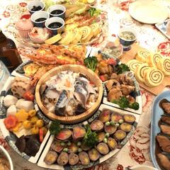 保存食/手作りごはん/自家製野菜/お正月料理/LIMIAごはんクラブ/はじめてフォト投稿/... お正月の食卓からです。 今年はおせち料理…