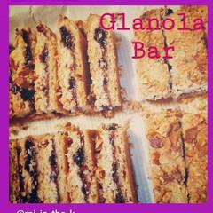 ホームメイド/オーブン/グラノーラバー/焼き菓子/キッチン/手作りおやつ/... オートミール入りの生地でジャムをはさみ、…
